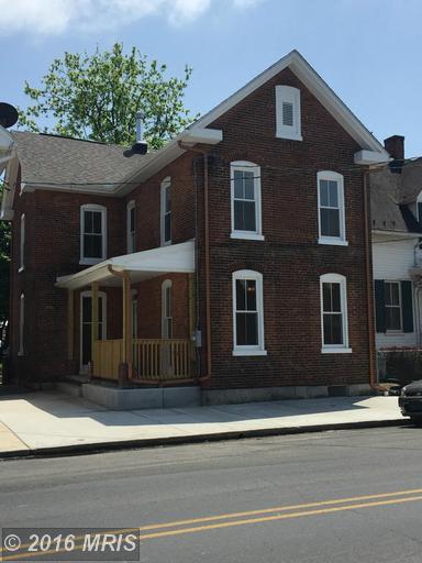 568 Broad St, Chambersburg, PA 17201
