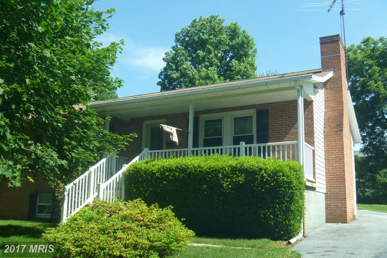 15393 Norwood Ave, Blue Ridge Summit, PA 17214