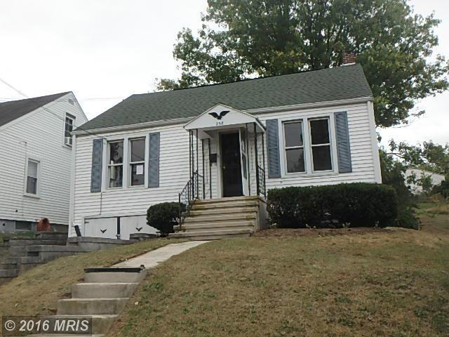 258 N Broad St, Waynesboro, PA 17268