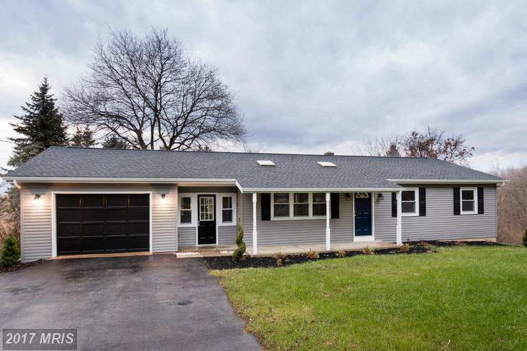 611 Forest Rd, Chambersburg, PA 17202