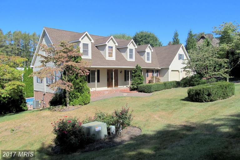 511 LARKSPUR LANE, Chambersburg in FRANKLIN County, PA 17202 Home for Sale