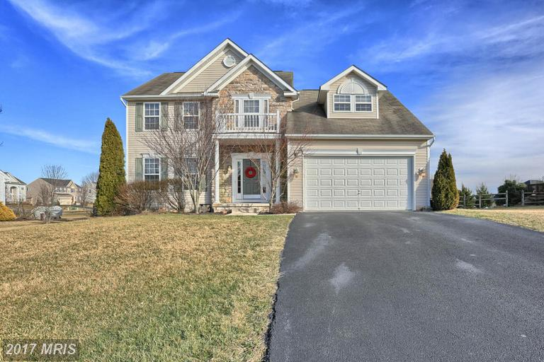 10120 Lindale Ave, Greencastle, PA 17225