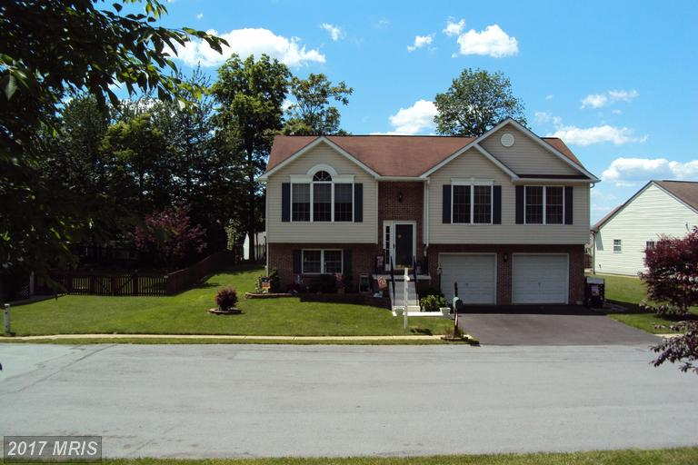 261 Hykes Rd E, Greencastle, PA 17225