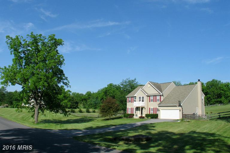 619 Chimney Cir, Middletown, VA 22645
