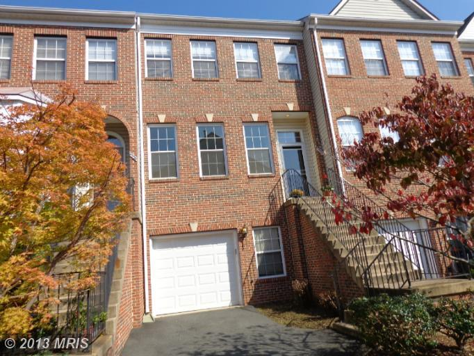 2534 James Madison Cir, Herndon, VA 20171