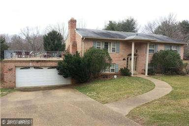 328 River Bend Rd, Great Falls, VA 22066