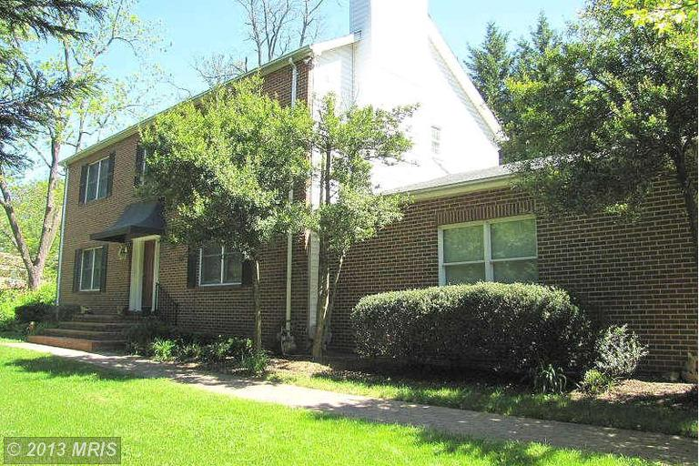2211 Great Falls St, Falls Church, VA 22046