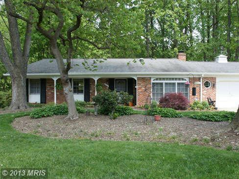 4223 Sleepy Hollow Rd, Annandale, VA 22003