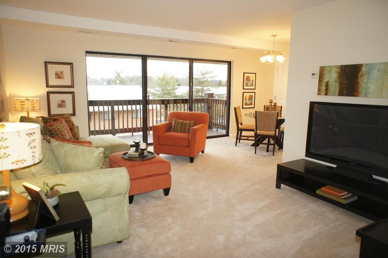 2754 HOLLYWOOD ROAD 303, one of homes for sale in Pimmit Hills and Idylwood