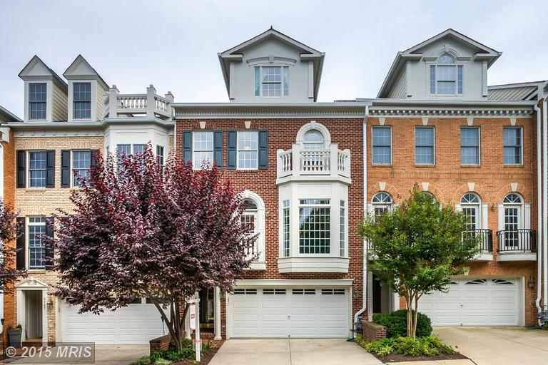 One of McLean 3 Bedroom Townhome Homes for Sale