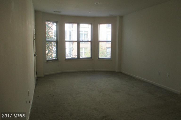 http://photos.listhub.net/MRIS/FX9786038/2?lm=20170407T194116