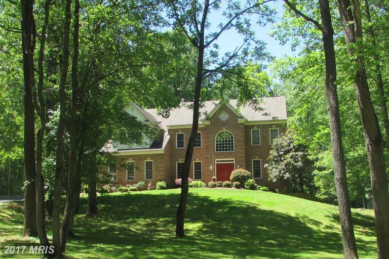7042 Balmoral Forest Rd, Clifton, VA 20124
