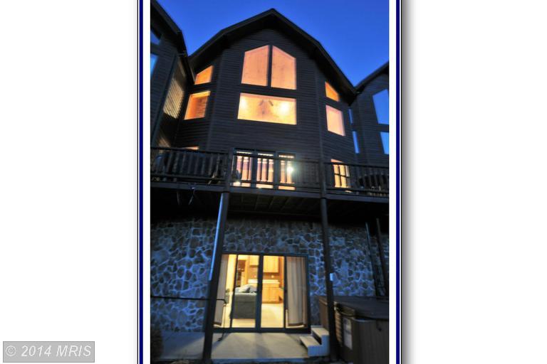16 Cedar Shores Dr # 11, McHenry, MD 21541