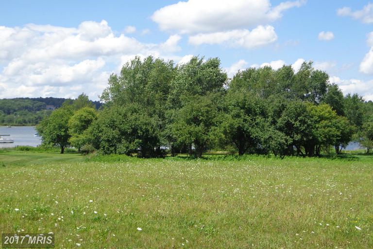 9 Moorings Way, Swanton, MD 21561