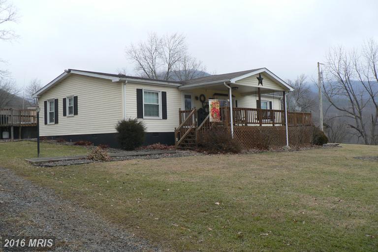 132 Armistead Ln, Maysville, WV 26833