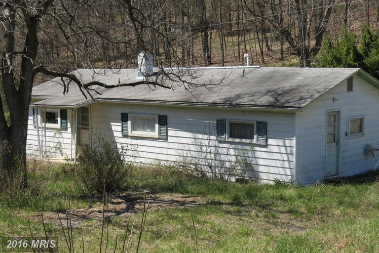 347 Possum Hollow Rd, Maysville, WV 26833