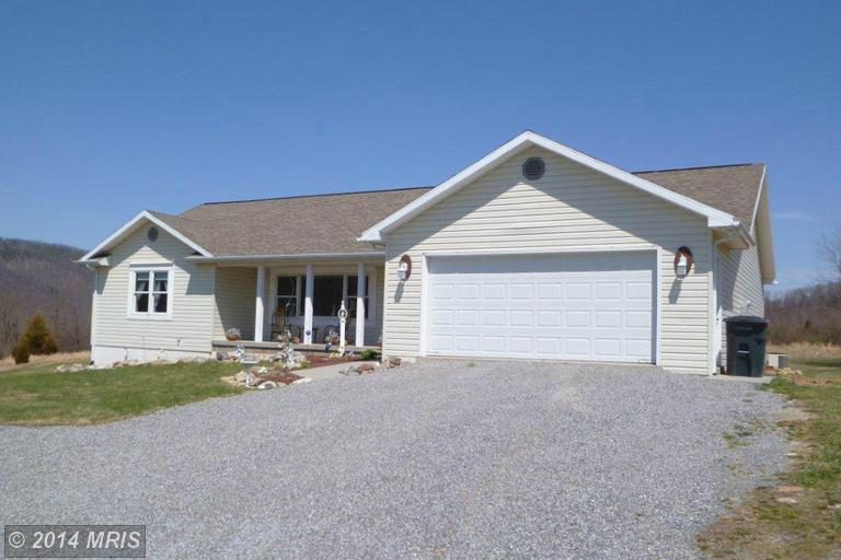 237 Coyote Run Rd, Mathias, WV 26812