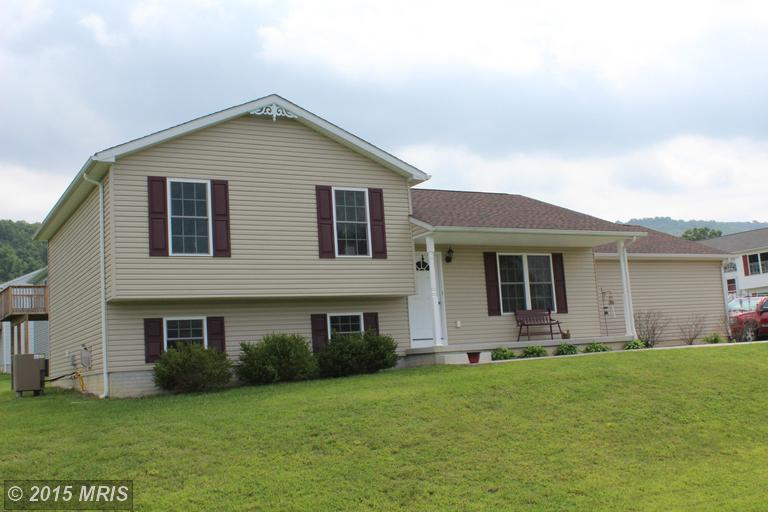 104 Mulberry Ln, Wardensville, WV 26851