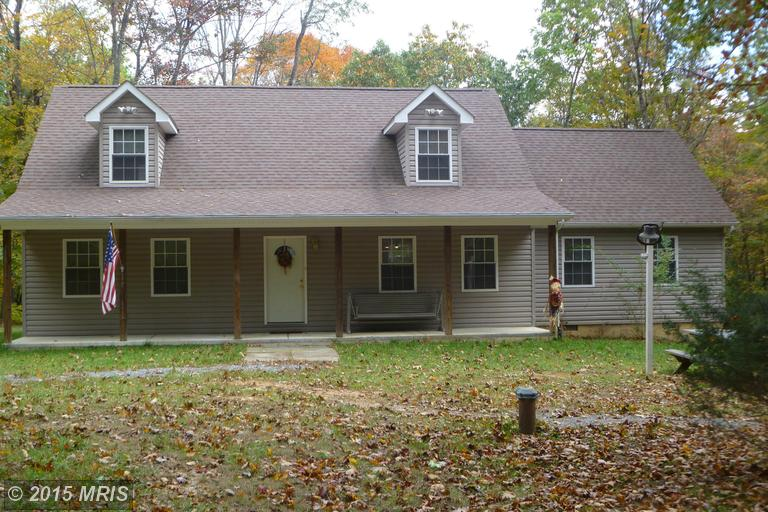 556 Highview Rd, Lost City, WV 26810