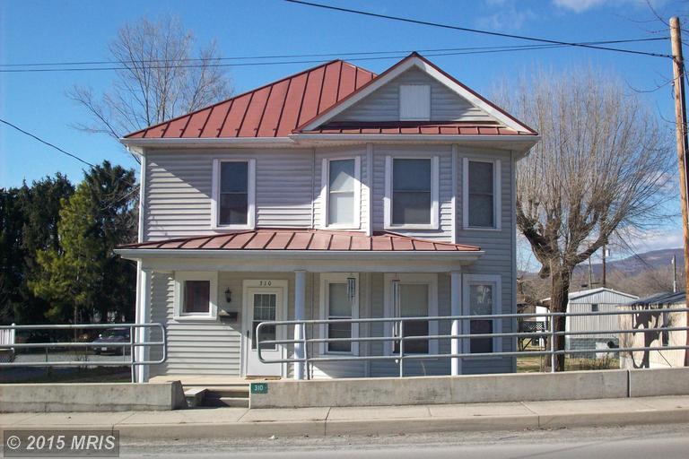 310 S Main St, Moorefield, WV 26836
