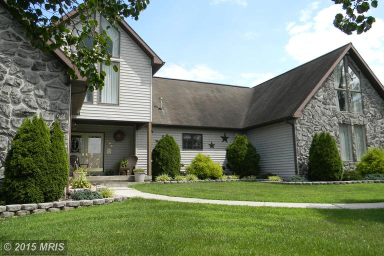 495 Hill Top Dr, Moorefield, WV 26836