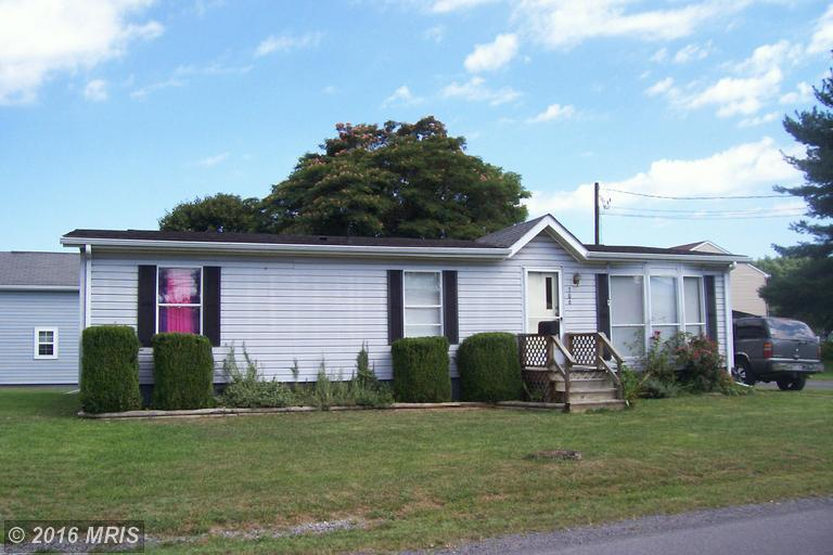 306 Clements St, Moorefield, WV 26836