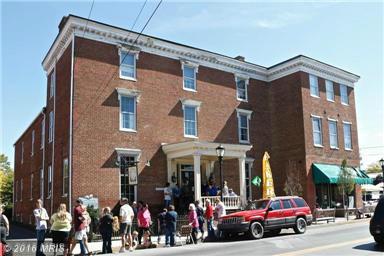 109 N Main St, Moorefield, WV 26836