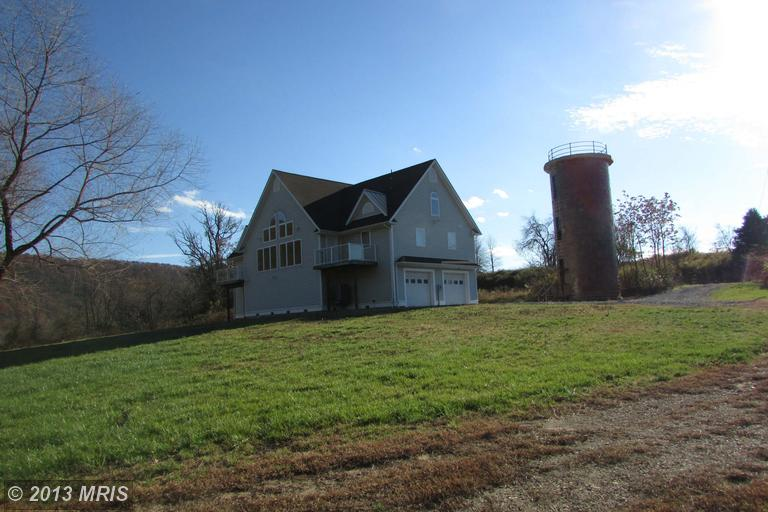 241 Lazy River Rd, Green Spring, WV 26722