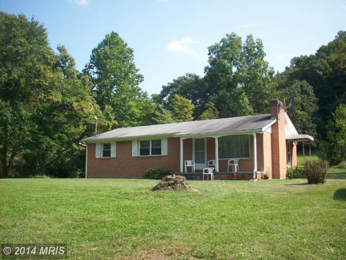 3871 Bethel Rd, Paw Paw, WV 25434