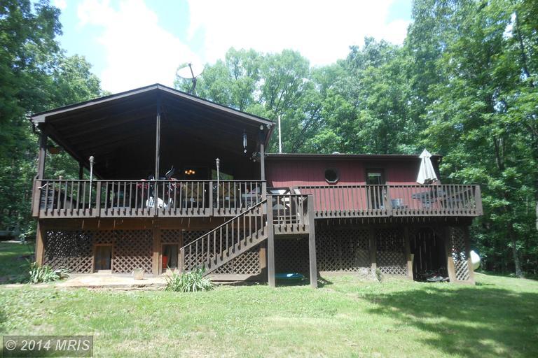 623 Oak Meadows Dr, Paw Paw, WV 25434