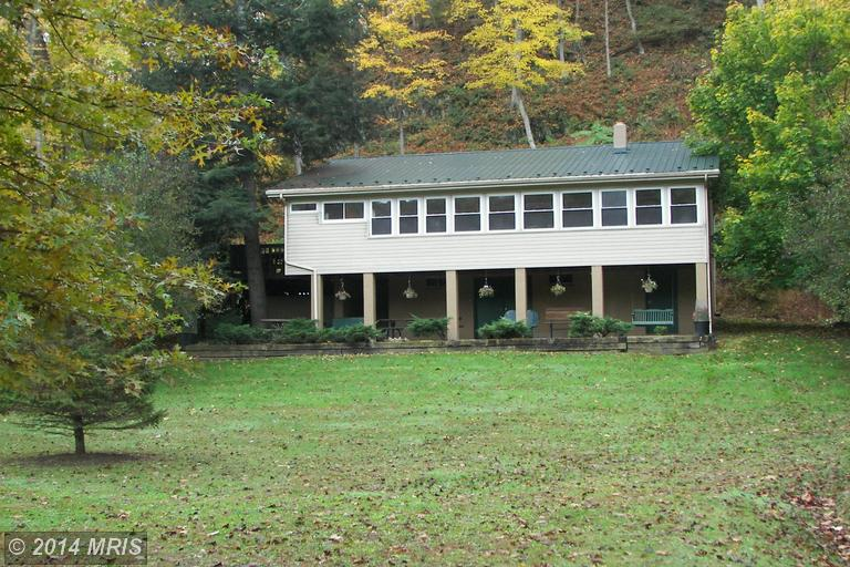 905 Kilgore Rd, Great Cacapon, WV 25422
