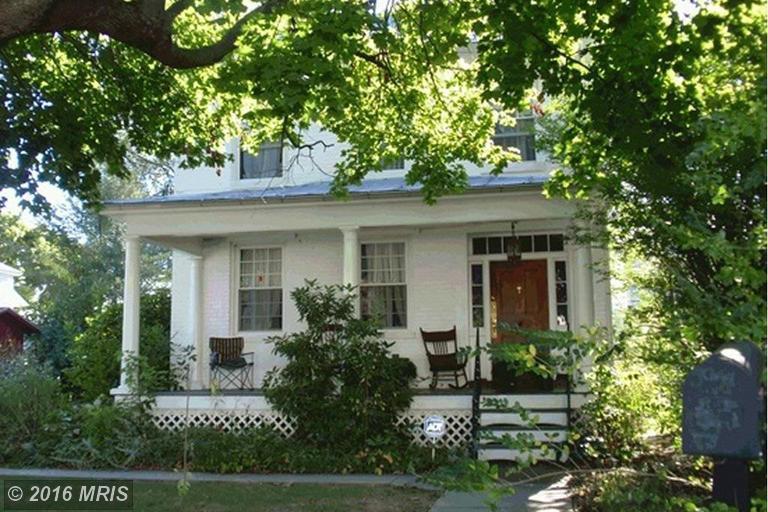 152 N Bolton St, Romney, WV 26757