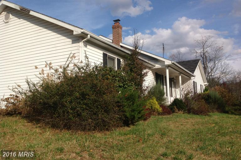 6102 Slanesville Pike, Points, WV 25437