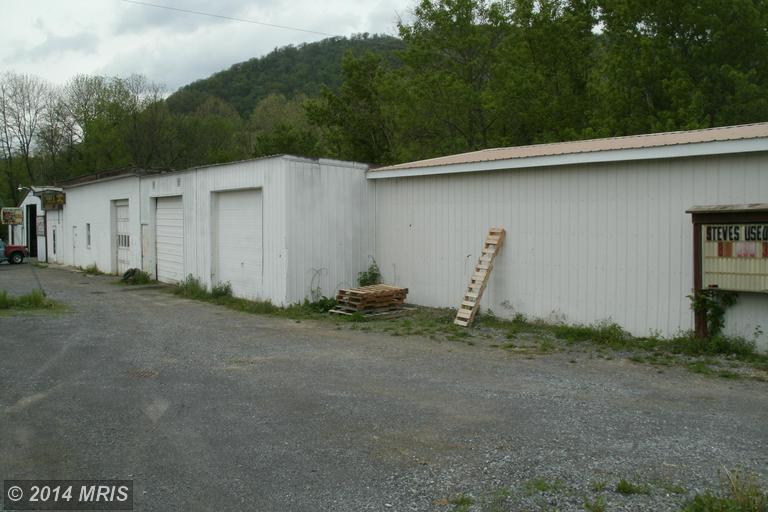 11725 Neelyton Rd, Shade Gap, PA 17255