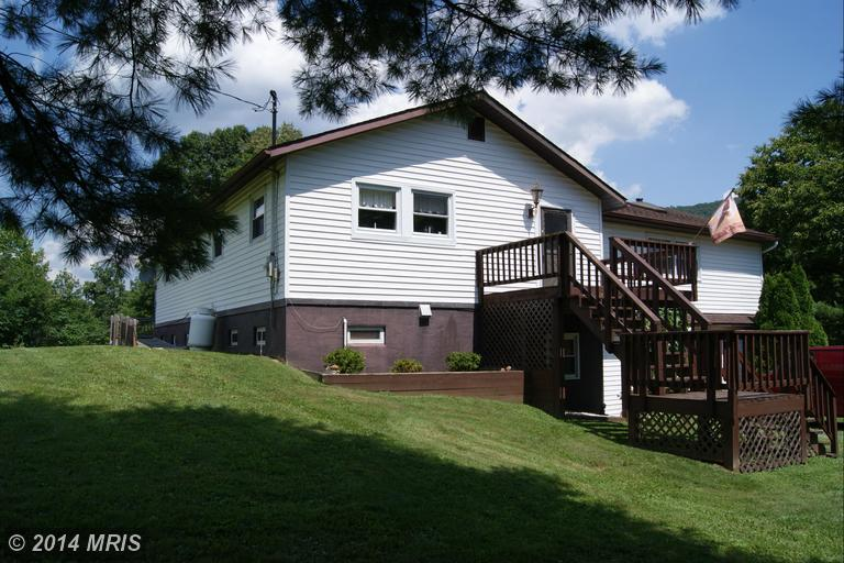 21091 Croghan Pike, Orbisonia, PA 17243