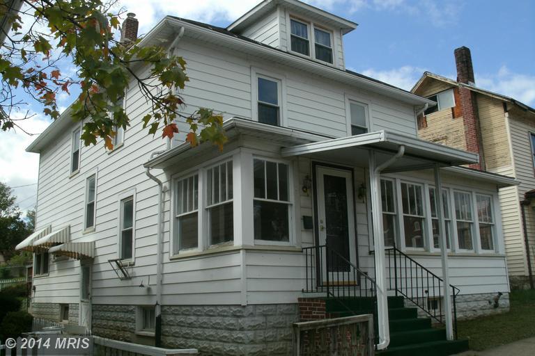 3 W Milford St, Mount Union, PA 17066