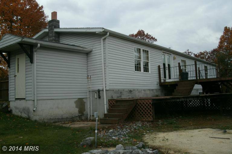 23454 Hollow Rd, Neelyton, PA 17239