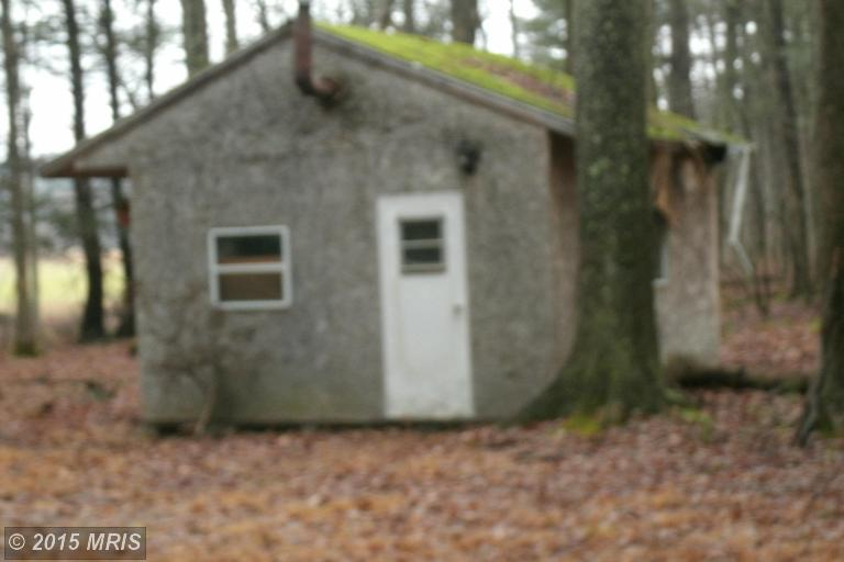 22217 Coles Valley Rd, Robertsdale, PA 16674