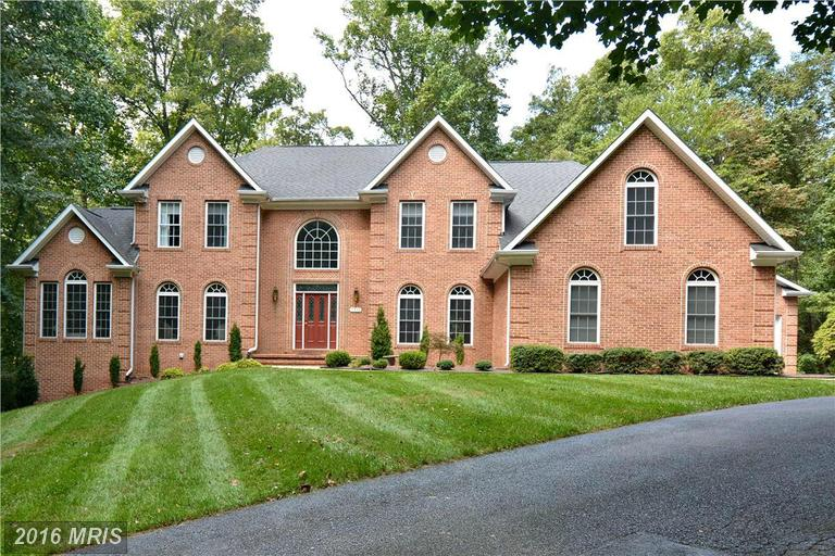 6736 Cortina Dr, Highland, MD 20777