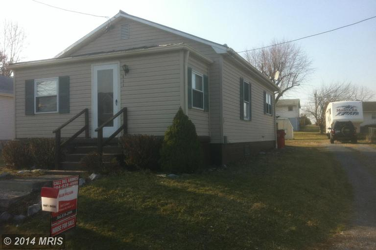 211 E 10th Ave, Ranson, WV 25438