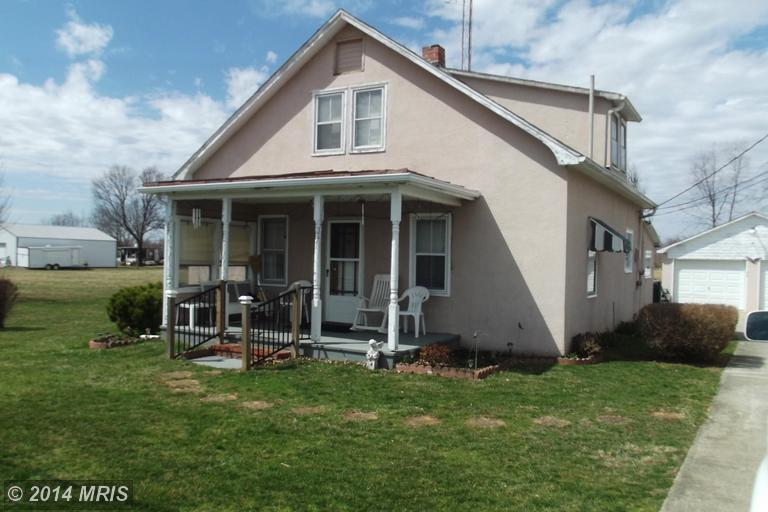 2723 Summit Point Rd, Summit Point, WV 25446