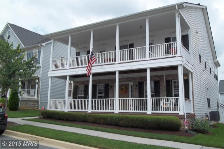 32 Colonial Dr, Charles Town, WV 25414