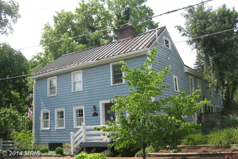 208 W Washington St, Shepherdstown, WV 25443
