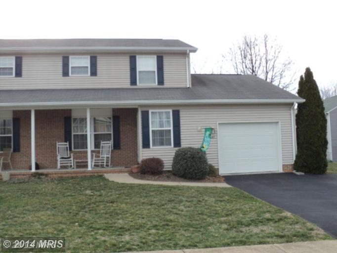 147 Westhall Dr, Charles Town, WV 25414