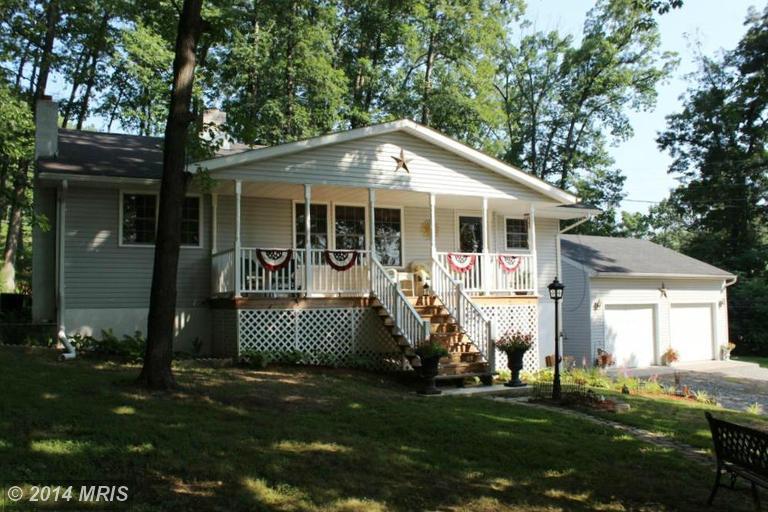 389 Red Oak Ln, Harpers Ferry, WV 25425