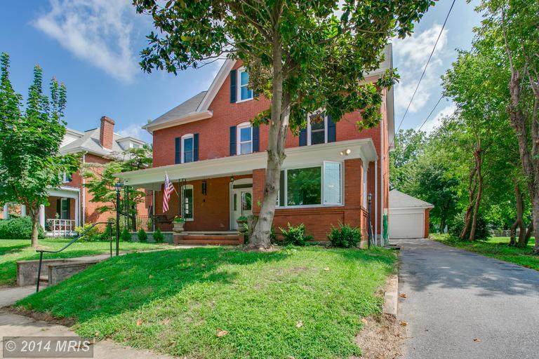 419 S Mildred St, Charles Town, WV 25414