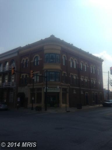 120 N George St, Charles Town, WV 25414