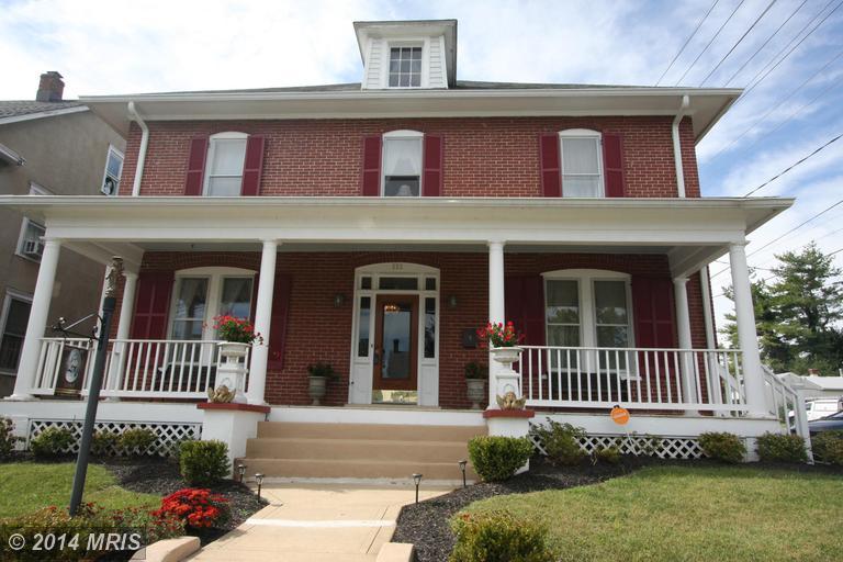 332 N Mildred St, Charles Town, WV 25414