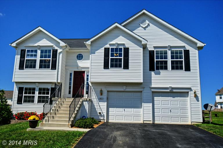83 Spanos Dr, Charles Town, WV 25414
