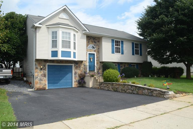326 Crosswinds Dr, Charles Town, WV 25414